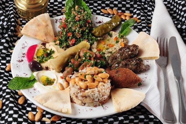 Вторая закусочная Grill &Gyros, кондитерская Katusha изавтраки от«Батона». Изображение № 7.
