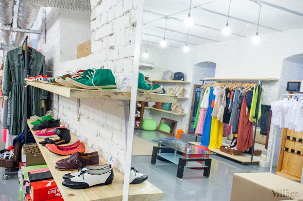На полках: Магазин обуви ShoeShoe. Зображення № 7.