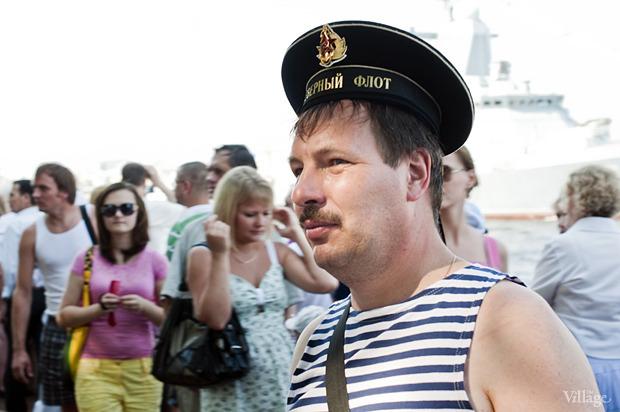 Фоторепортаж: День Военно-морского флота в Петербурге. Изображение № 20.