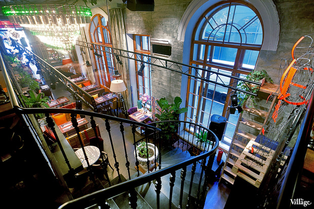 В Доме Мертенса открылся ресторан-кондитерская Bengel & Zaek. Изображение №1.