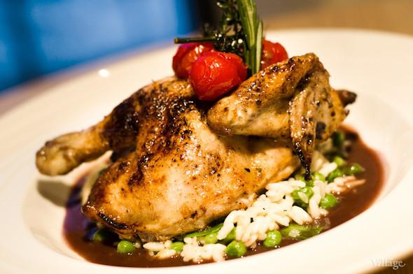Хрустящий цыпленок с зеленым ризотто и соусом черес — 134 грн.. Изображение № 22.