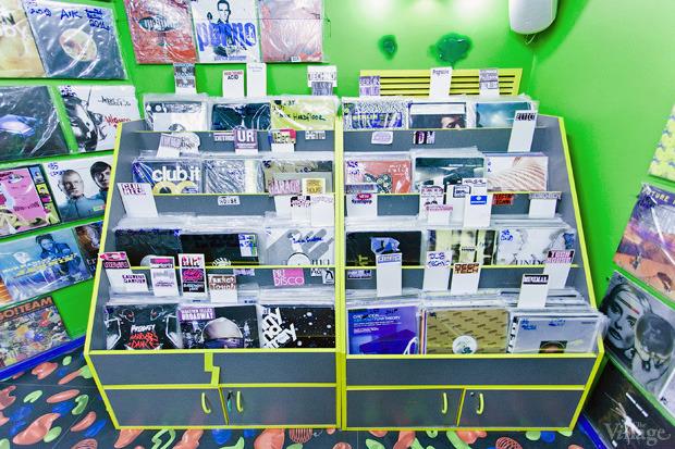На полках: Магазин виниловых пластинок Diskultura. Зображення № 4.