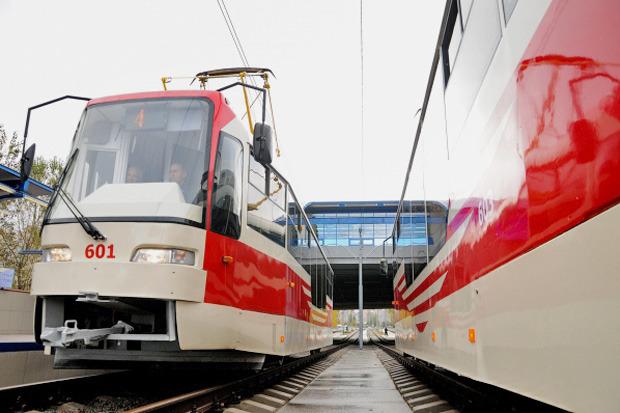 Вместо метро: На Троещине запустили скоростной трамвай. Зображення № 1.