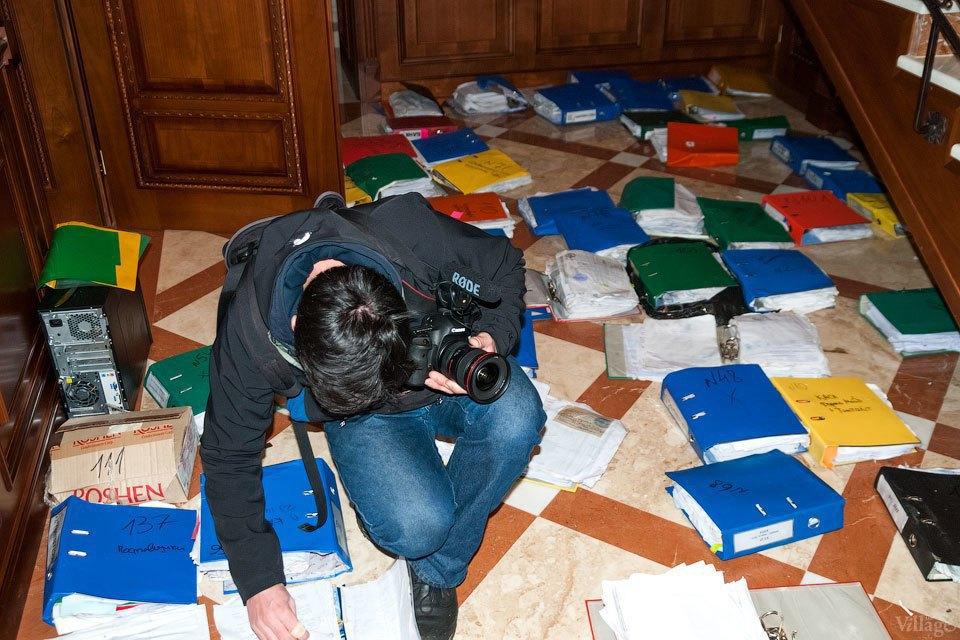 Народное движение: За чем едут в резиденцию Виктора Януковича. Изображение № 14.