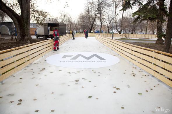 В парке Горького залили каток. Изображение № 4.