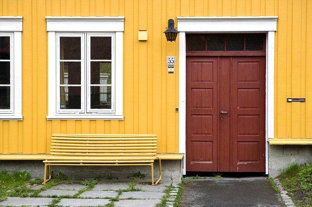 Как у них: Жители Норвегии, ЮАР, Испании — об отношениях с соседями. Изображение № 18.
