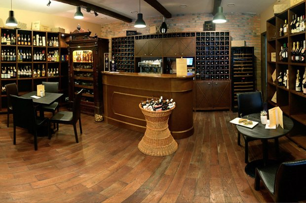 На Рубинштейна открылся винный бар. Изображение № 2.