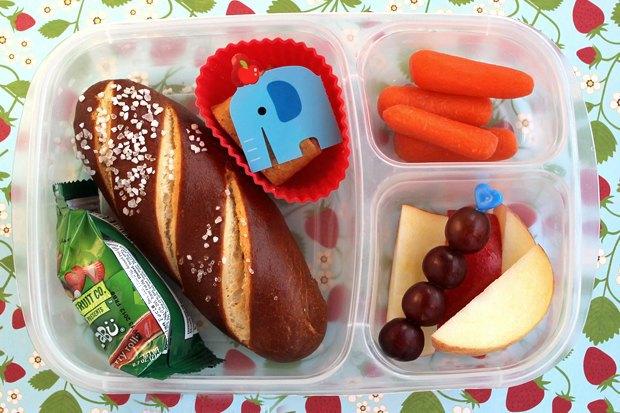 Как у них: Что едят дети вшколах Сиднея, Парижа, Берлина, Монреаля, Ханоя иМариуполя. Изображение № 14.