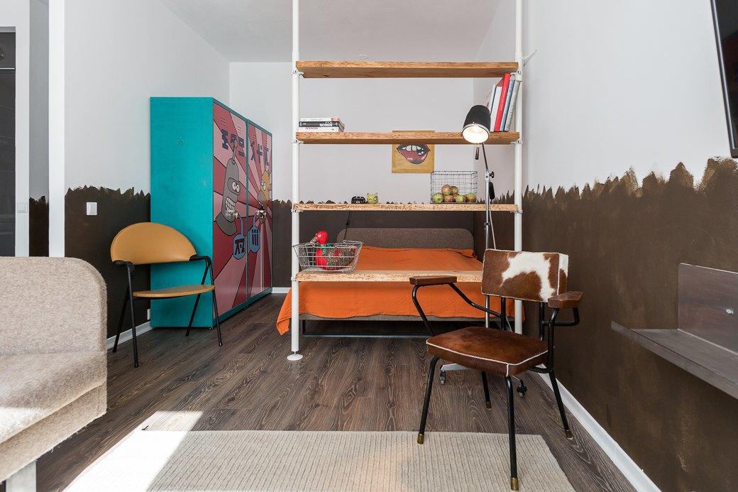 Компактная квартира вДевяткино сбарной стойкой ивинтажными элементами . Изображение № 2.