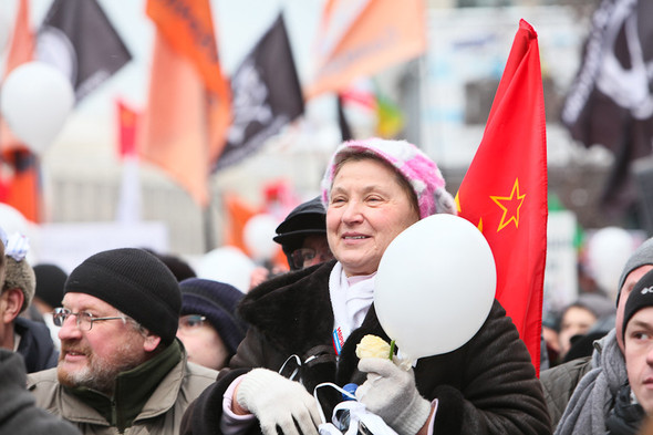 Митинг «За честные выборы» на проспекте Сахарова: Фоторепортаж, пожелания москвичей и соцопрос. Изображение № 55.