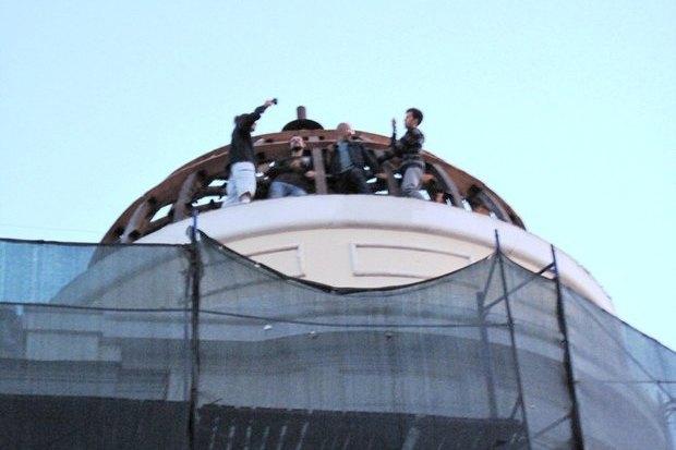 Итоги недели: Аномальная жара, борьба за купол «Дома Болконского» и открытие крыши МАММ. Изображение № 2.