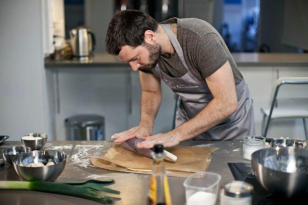 Шеф дома: Котлета из цесарки и пирог-галета Дениса Крупени. Изображение № 93.