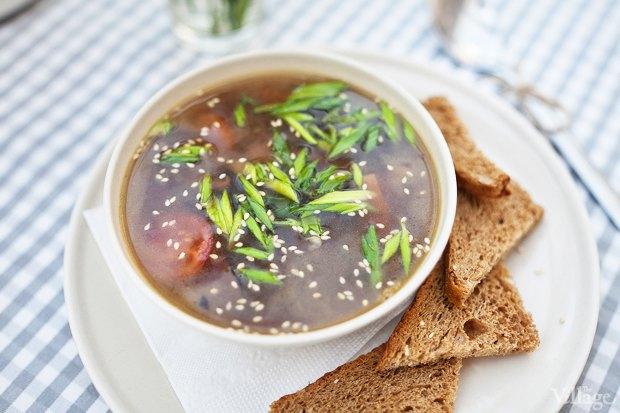 Китайский грибной суп с жареным тофу и грибами шиитаке — 200 рублей. Изображение № 23.