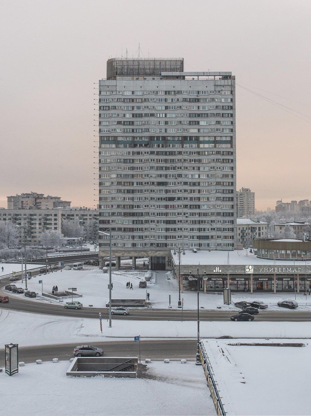 Яживу вдоме-пластине наплощади Победы (Петербург). Изображение № 22.