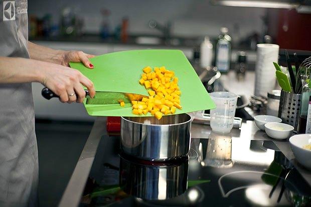 Шеф дома: Ростбиф-салат и тыквенная каша Мириам Сехон. Изображение № 79.
