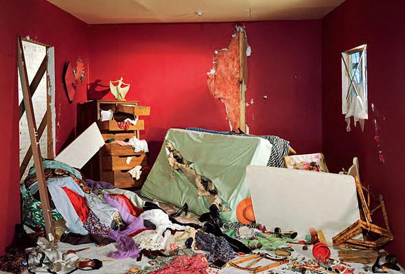 «Уничтоженная комната». Изображение № 2.
