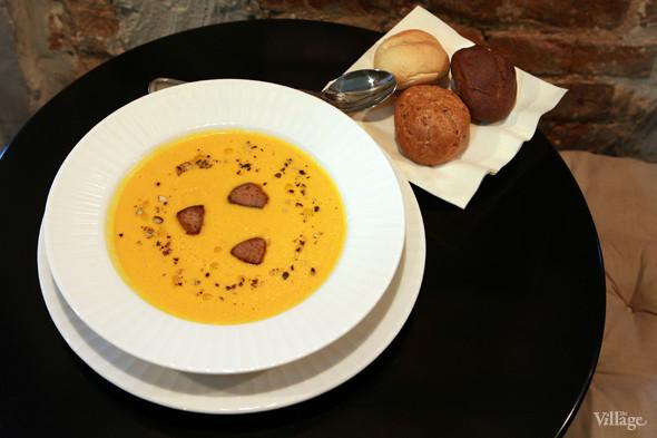 Тыквенный суп с фуа-гра — 380 рублей. Изображение № 22.