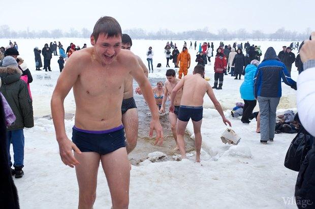 Люди в городе: Крещенские купания. Изображение № 4.