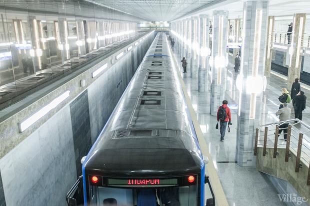 Фоторепортаж: В Киеве открыли новую станцию метро. Зображення № 16.