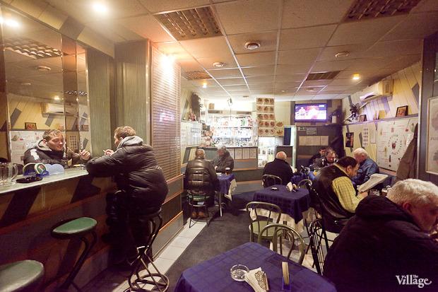 Все свои: Безымянный бар наСенной площади. Изображение № 6.