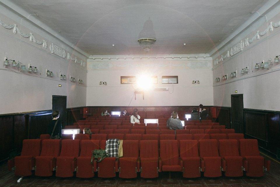 Что делать с пустующими кинотеатрами в спальных районах. Изображение № 9.