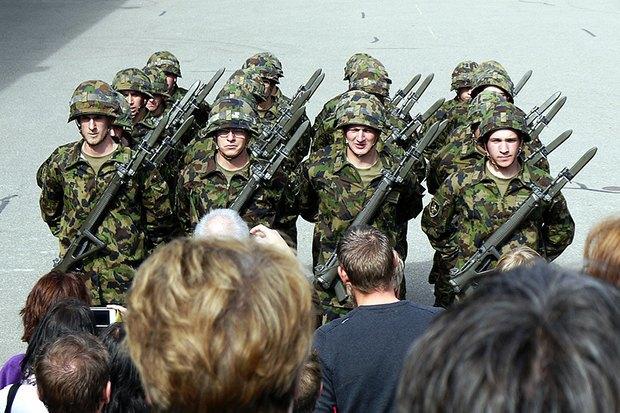 Как у них: Жители Израиля, Дании, Германии, Греции, США — о службе в армии. Изображение №13.