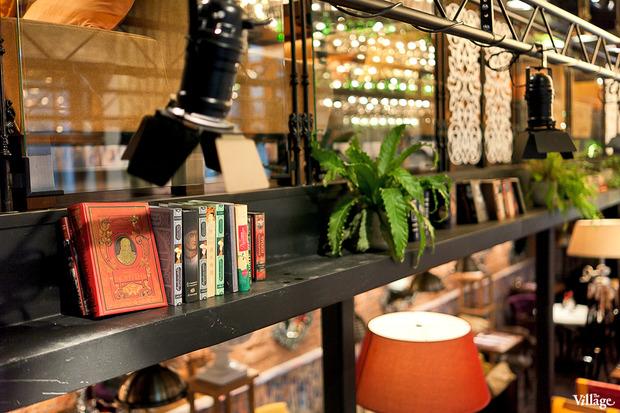 В Доме Мертенса открылся ресторан-кондитерская Bengel & Zaek. Изображение № 7.