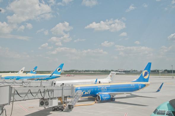 Фоторепортаж: В аэропорту Борисполь открыли самый большой на Украине терминал. Зображення № 33.
