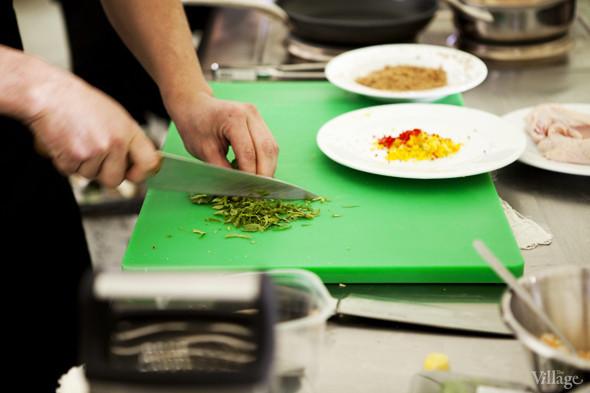 Omnivore Food Festival: Андрей Рывкин готовит карри из петуха на монастырском квасе. Изображение № 13.