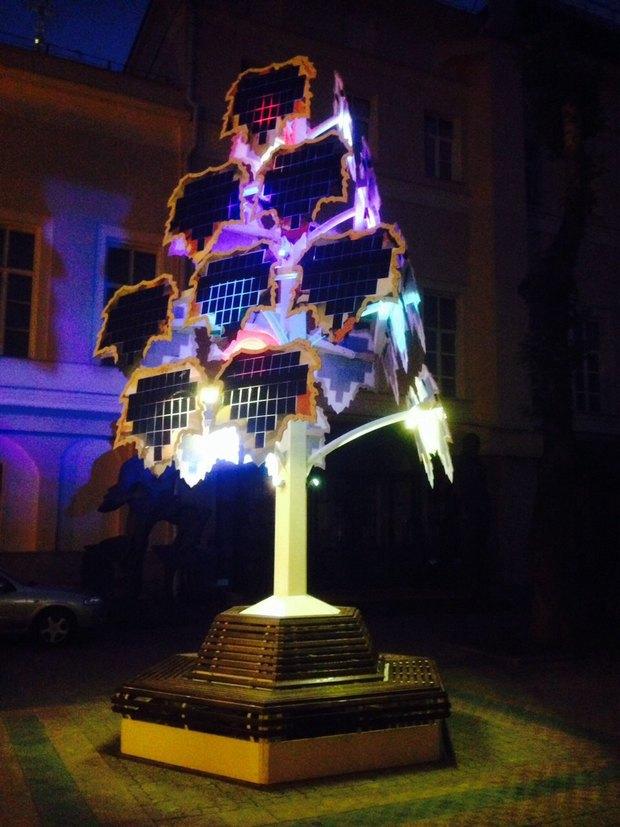 На Петровке появилось «Wi-Fi-дерево» насолнечных батареях. Изображение № 2.