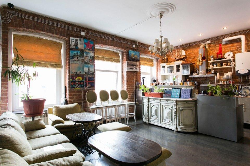 Квартира художника смансардой. Изображение № 3.