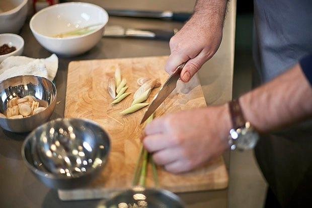 Шеф дома: Том ям и сашими из тунца Геннадия Иозефавичуса. Изображение № 20.