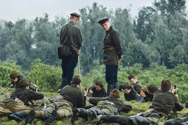 Иностранцы смотрят кино про Великую Отечественную войну. Изображение №7.