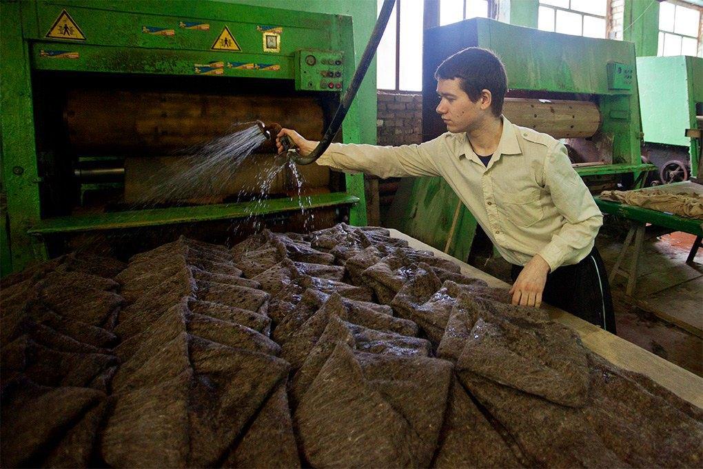 Производственный процесс: Как делают валенки. Изображение № 10.