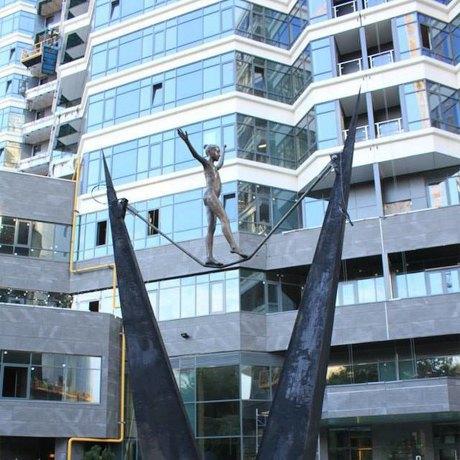 Фото дня: В Киеве появилась новая скульптура. Зображення № 1.