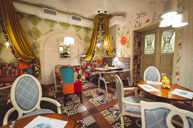 Команда «Гостей» открыла ресторан на Петроградской стороне . Изображение № 5.