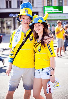 Жёлто-голубые: Самые яркие фанаты сборных Украины и Швеции. Зображення № 4.
