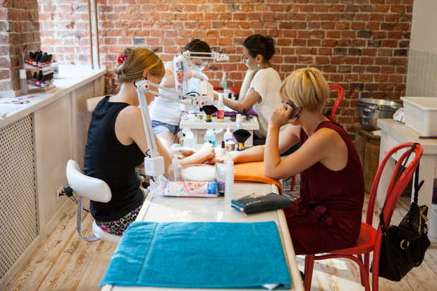 Смешной формат: Кафе при магазинах, студиях йоги исалонах красоты. Изображение № 2.