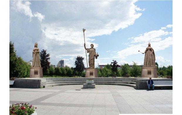 Церетели изготовил для Петербурга 14 новых памятников. Изображение № 1.