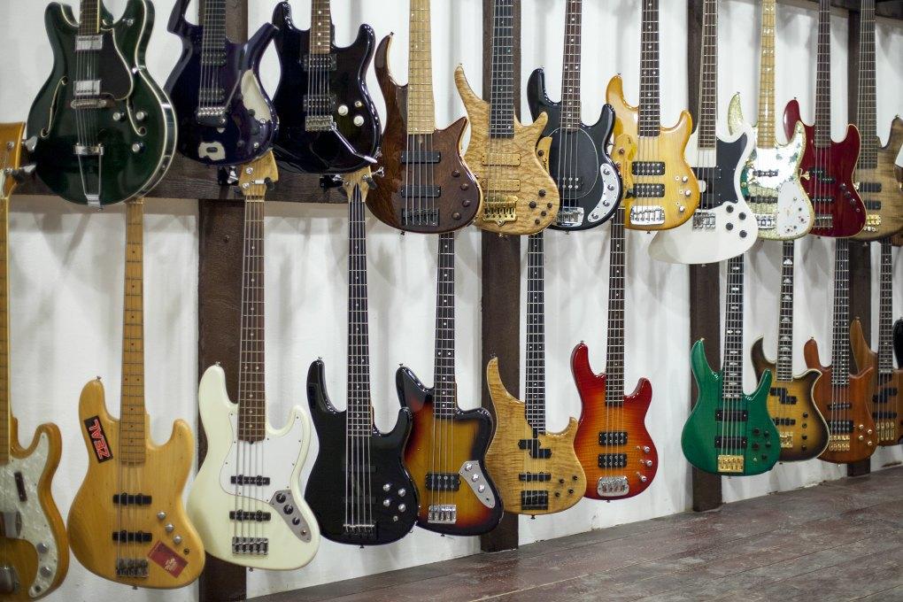 Guitar hero: Как бывший звукорежиссёр зарабатывает на винтажных гитарах. Изображение № 7.