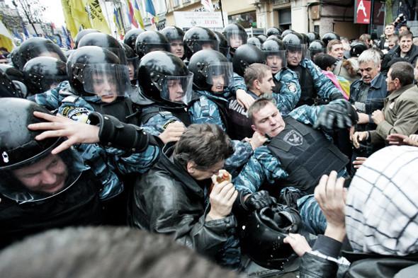 Copwatch: Действия милиции на Крещатике в день оглашения приговора Юлии Тимошенко. Зображення № 17.