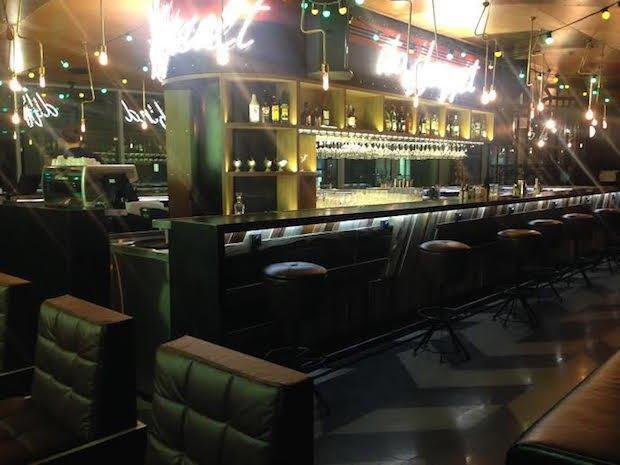 В торговом центре «Легенда Цветного» открылся бар Port. Изображение № 3.