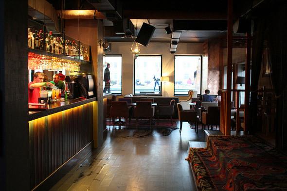 Изображение 13. На «Красном Октябре» открылся бар-ресторан Gipsy.. Изображение № 8.