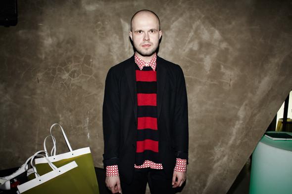 На Дмитрии — свитер Marni at H&M. Изображение № 7.