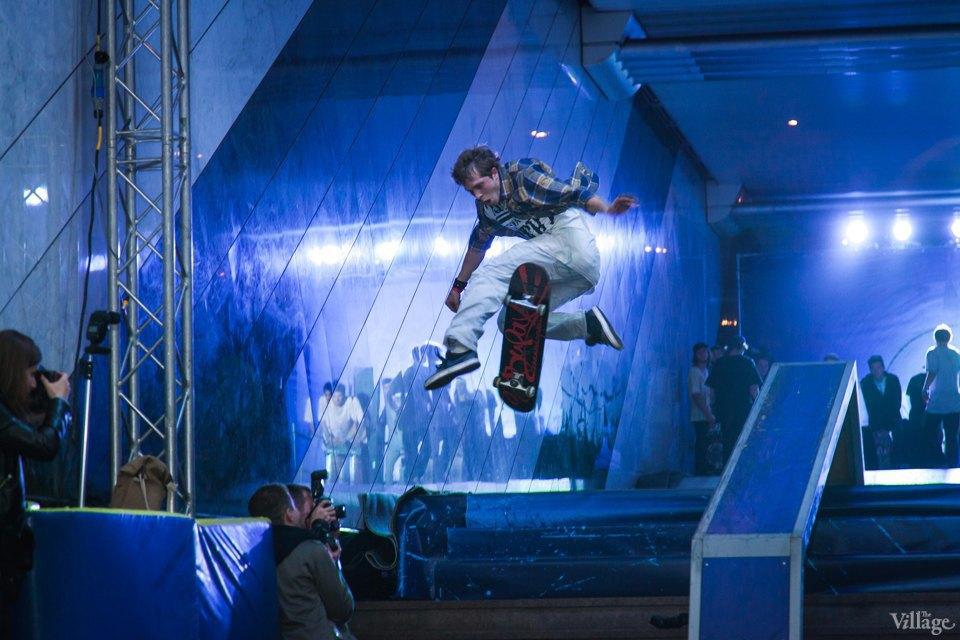 Фото ночи: Скейтерский чемпионат в метро. Изображение № 7.