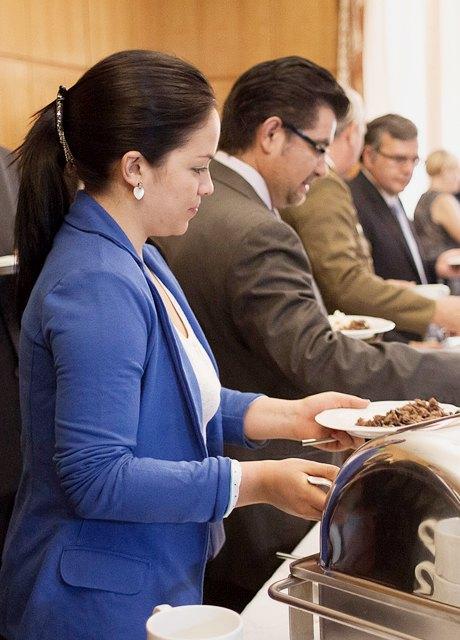 Кто кормит: Шеф-повар посольства Кубы онациональной кухне. Изображение №14.