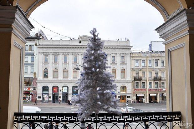 Фото дня: Петербург начали украшать к Новому году . Изображение № 6.