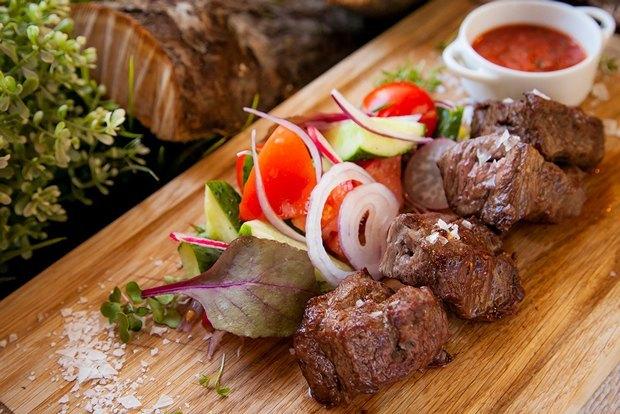Где найти ломоть мяса для барбекю купить электрокамин в г.владимир