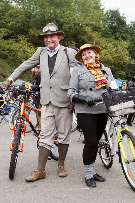 Твид выходного дня: Участники ретрокруиза — о своей одежде и велосипедах. Зображення № 22.
