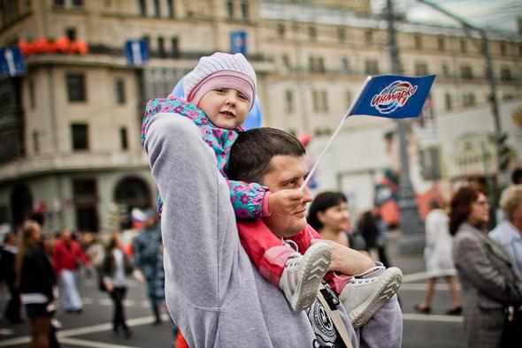 Универсальное поздравление: День города на московских улицах. Изображение № 27.